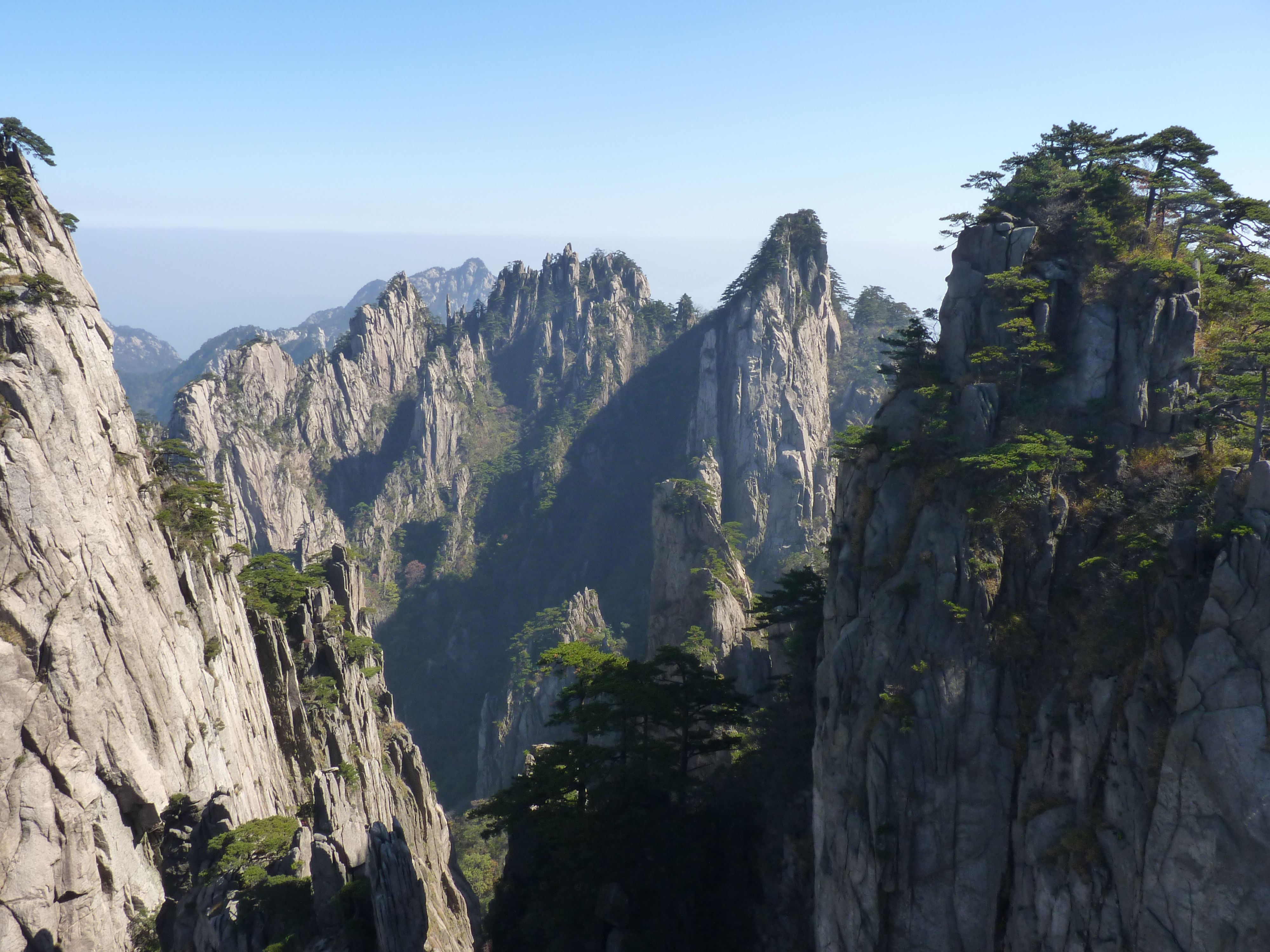 demographics of huang shan china Mt huangshan, a world cultural heritage site in anhui province of china, has inspired lots of poets and attracted endless hikers with its matchless scene of grotesque rocks, dramatic pines and seas of clouds, snow scene.
